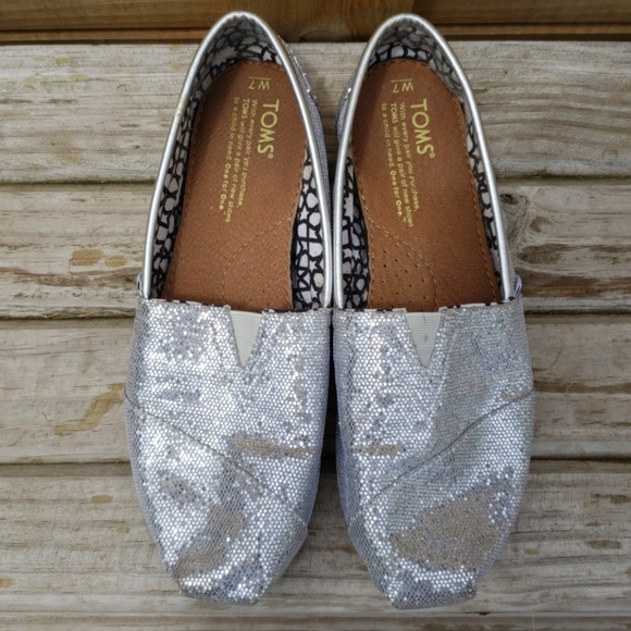 Toms Shoes | Silver Glitter Toms Size 7